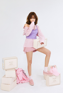 [VELYSOME] No,17 Pink Suede Slip-On Sneakers