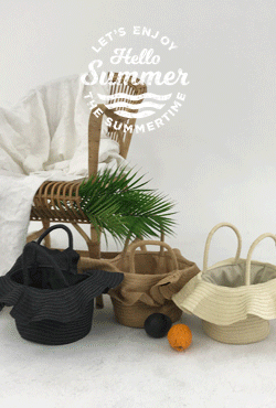 [SUMMER VELY] Ruffled Rattan Handbag