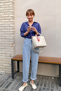 Relaxed Fit Mom Jeans